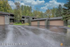 2071 Eastridge Drive, Anchorage, AK 99501