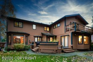 2321 Foxhall Drive, Anchorage, AK 99504