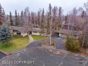 2205 Cliff Court, Anchorage, AK 99517