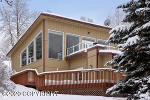 10325 Main Tree Drive, Anchorage, AK 99507