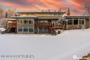 555 W 17th Avenue, Anchorage, AK 99501