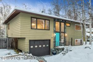 3810 Laron Lane, Anchorage, AK 99504