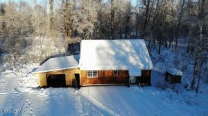 11643 E Susitna River Road, Trapper Creek, AK 99683