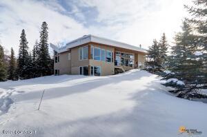 7230 Montagne Circle, Anchorage, AK 99507
