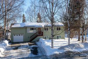 2400 Chinook Avenue, Anchorage, AK 99516