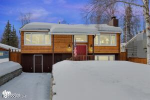 2458 Sprucewood Street, Anchorage, AK 99508