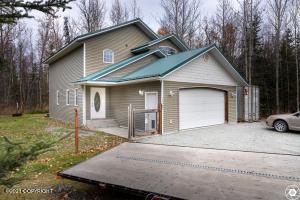 16385 Back Acres Avenue, Palmer, AK 99645