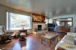 2507 Sprucewood Street, Anchorage, AK 99508