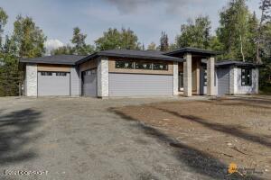 5011 W Lollybrock Drive, Wasilla, AK 99623