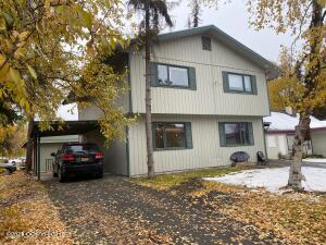 8040 Peck Avenue, Anchorage, AK 99504