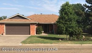 103 Pinehurst St, Borger, TX 79007