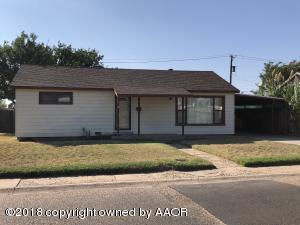 1207 Coble Dr, Borger, TX 79007