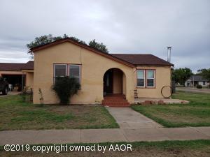 802 E Main St., Vega, TX 79092