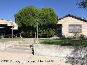 405 S Ridgeland Ave, Fritch, TX 79036