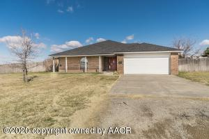 1004 Country Club Rd, Panhandle, TX 79068