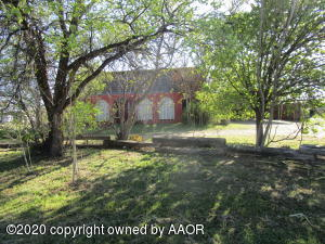 102 S RAILROAD AVE, Fritch, TX 79036