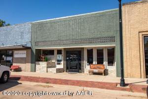 209 N Main St, Stratford, TX 79084