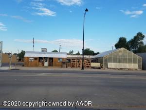 822 S Main St, Perryton, TX 79070