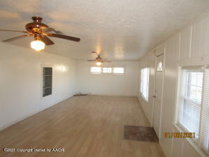 602 S Longwood Ave, Fritch, TX 79036