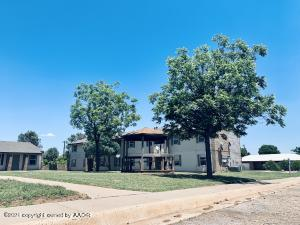 1100 S Main St, Shamrock, TX 79079