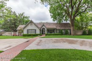 Photo for MLS Id 20210601124412550466000000 located at 2400 LIPSCOMB