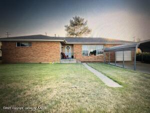 924 Clark Ave, Stinnett, TX 79083