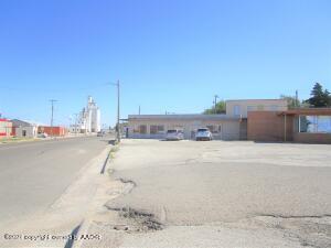201 S Colgate, Perryton, TX 79070