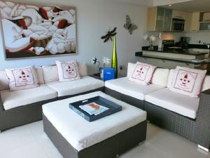 Residential-Casa En Ventaen Noord, Noord, Aruba, AW RAH: 17-36