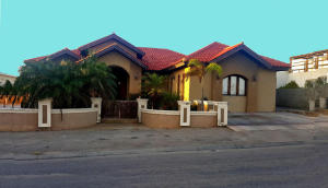 Residential-Casa En Ventaen Noord, Noord, Aruba, AW RAH: 18-14