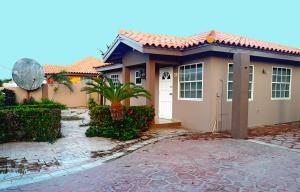 Residential-Casa En Ventaen Noord, Noord, Aruba, AW RAH: 18-31