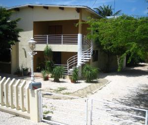 Residential-Casa En Ventaen Noord, Noord, Aruba, AW RAH: 18-33