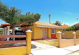 Residential-Casa En Alquileren Paradera, Paradera, Aruba, AW RAH: 18-45