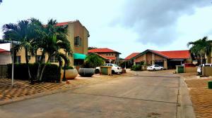 Residential-Casa En Ventaen Oranjestad, Oranjestad, Aruba, AW RAH: 20-3