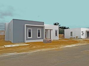 Residential-Casa En Ventaen Oranjestad, Oranjestad, Aruba, AW RAH: 20-17