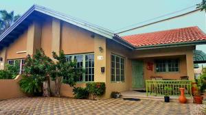 Residential-Casa En Ventaen Oranjestad, Oranjestad, Aruba, AW RAH: 20-39