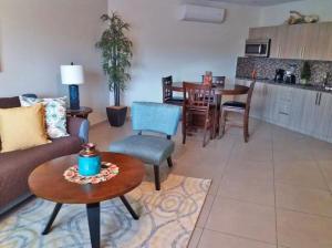 Residential-Casa En Alquileren Noord, Noord, Aruba, AW RAH: 20-44