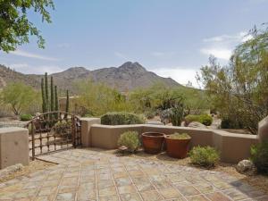 11366 E DESERT VISTA Drive, Scottsdale, AZ 85255
