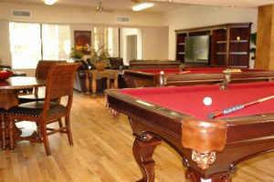 2 billiards tables, 6 flat screens