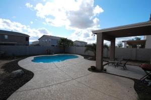 7011 W Southgate Avenue, Phoenix, AZ 85043