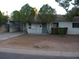 4135 E TURNEY Avenue, Phoenix, AZ 85018
