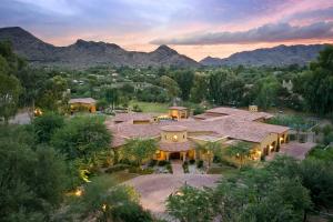 8644 N Morning Glory Road, Paradise Valley, AZ 85253