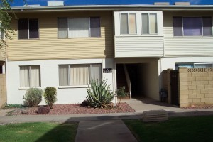 CLOSE TO POOL & PARKING
