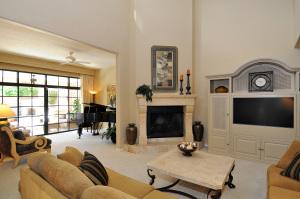 8100 E CAMELBACK Road, 83, Scottsdale, AZ 85251