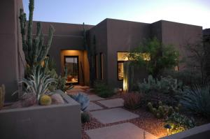 10895 E MARK Lane, Scottsdale, AZ 85262