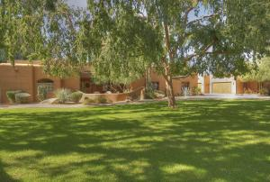 8330 N 74TH Place, Scottsdale, AZ 85258
