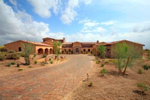 8425 E OLD FIELD Road, Scottsdale, AZ 85266
