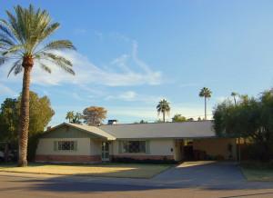 7043 E MORELAND Street, Scottsdale, AZ 85257