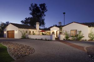 4810 E Fanfol Drive, Paradise Valley, AZ 85253