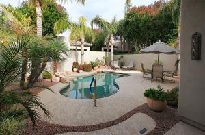 7290 E Del Acero Drive, Scottsdale, AZ 85258