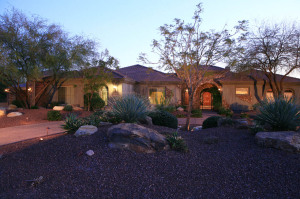 Close to the 101, Mountain views, over an acre to play!